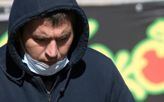 Українців будуть по-новому карати за маски на підборіддях