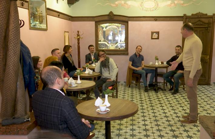 Потрібно віддаватися справі повністю: у Мукачеві митці та підприємці говорили про соціально-відповідальний бізнес