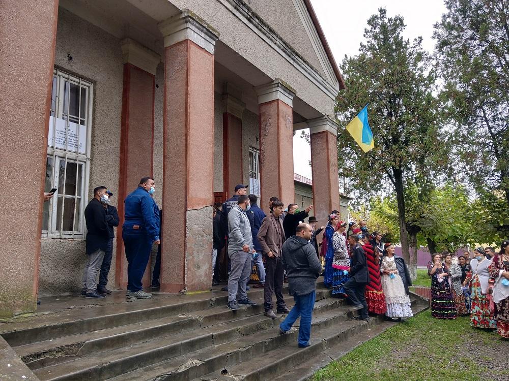 ОПОРА заявляє про можливе підвезення ромів на одну із виборчих дільниць