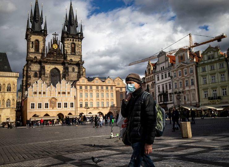 У Чехії запровадили комендантську годину