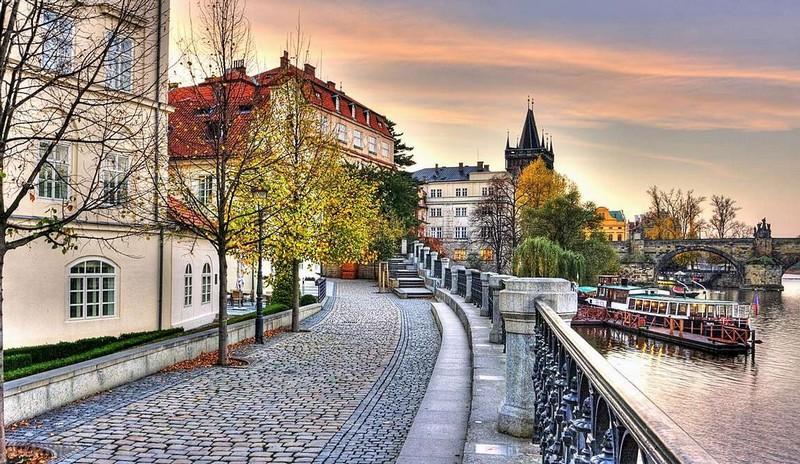 У Чехії втретє понад 15 тисяч заражень за добу