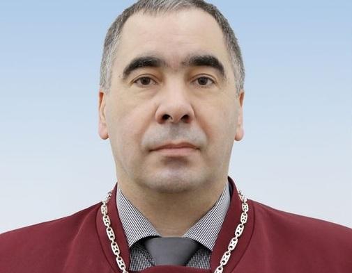Суддя КС Василь Лемак виступив проти скандального рішення, яке обурило українців