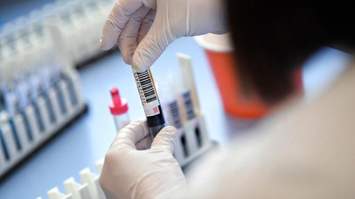Новий коронавірусний антирекорд в Україні: кількість хворих різко зросла