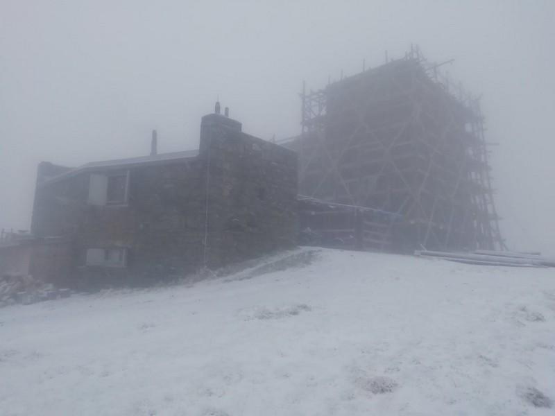 Зима близько: на високогір'ї падає сніг