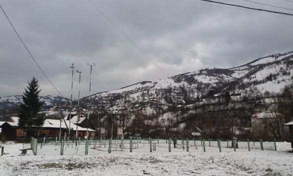 Подекуди мокрий сніг у суботу та сонячно у неділю: прогноз погоди на Закарпатті на вихідні
