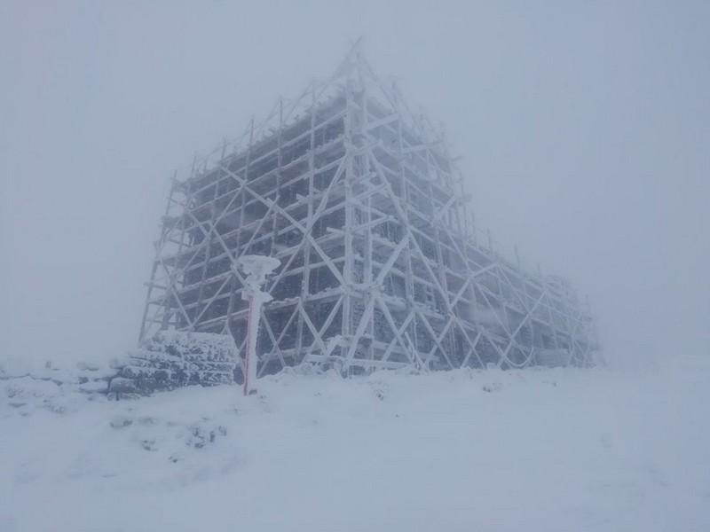 4 градуси морозу та сніг: у горах відчутно похолодало