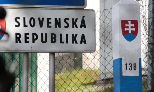 Тестуватимуть на COVID-19 прямо на українсько-словацькому кордоні: Словаччина запускає пілотний проєкт