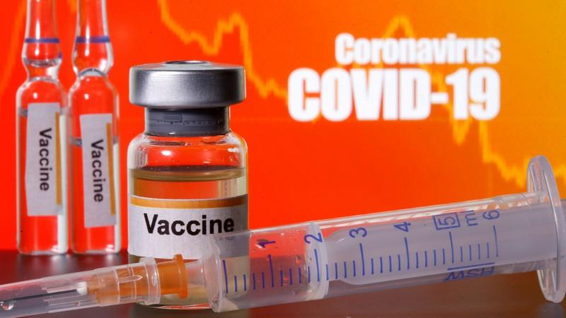 Угорщина закупить російську вакцину від коронавірусу