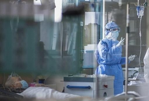 Лікарі обирають – кому дихати, а кому ні: журналіст Віталій Глагола розповів, що коїться у лікарні в Ужгороді