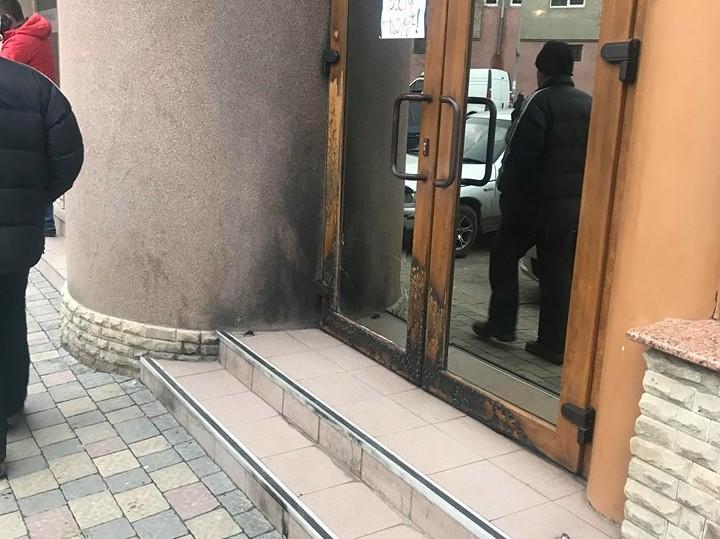 Підпал кафе у Мукачеві: 19-річний хлопець постане перед судом