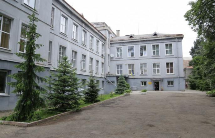 Відомо, на яку кількість хворих на коронавірус розрахована лікарня Мукачева