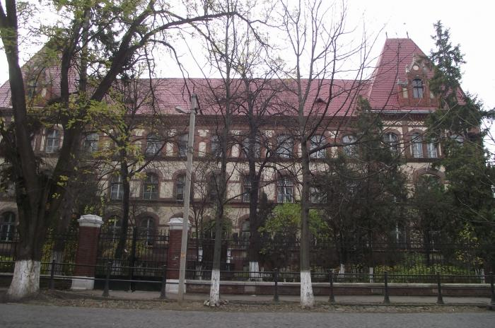 Мер Берегова повідомив, як навчатимуться у школах міста із понеділка, 16 листопада
