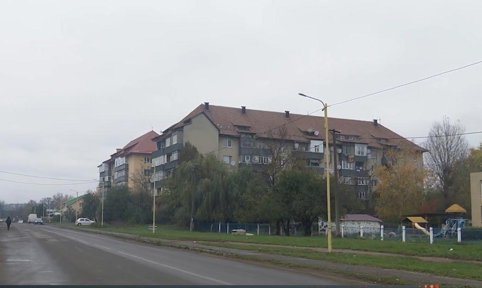 Нападають на людей і грабують: що коїться в одному з мікрорайонів Ужгорода