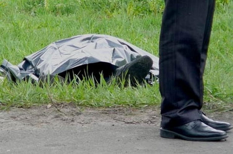 У полі біля села Бедевля знайшли труп. Поліцейські встановлюють обставини смерті чоловіка із селища Дубове
