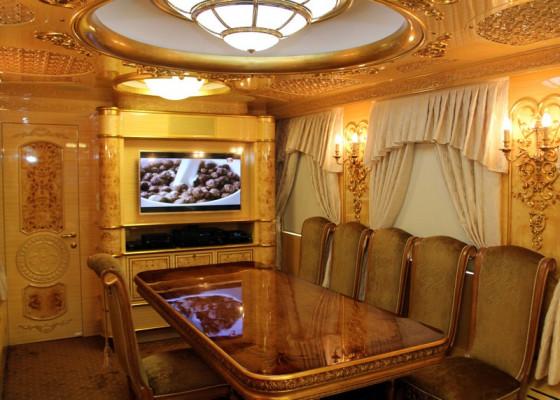 """""""Укрзалізниця"""" показала розкішні вагони, які обладнані ванною, кухнею, залою відпочинку і спальнею"""