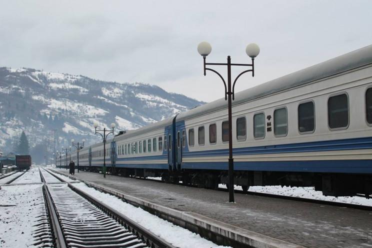 Раніше скасований потяг Одеса-Рахів відновить свою роботу