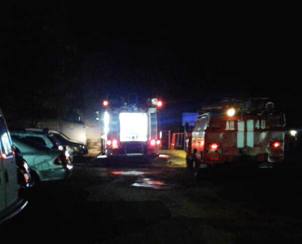 Прокинувся, а квартира вже вщент заповнена димом: рятувальники показали фото із пожежі