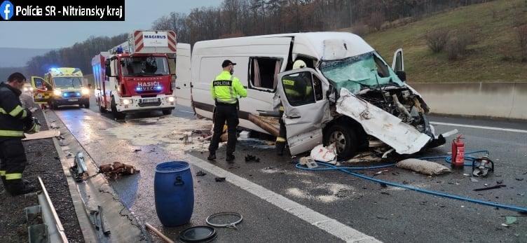 Смертельна ДТП: мікроавтобус Mercedes Sprinter із українцями потрапив у аварію в Словаччині біля Тековське Нємце