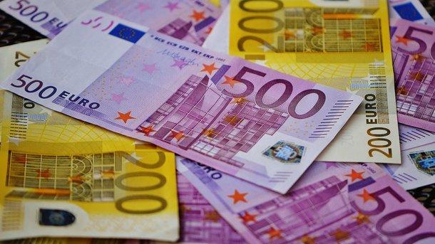 Курс валют на сьогодні: євро підскочило до максимуму за 2 роки
