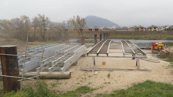 У Мукачеві будують новий міст через Латорицю