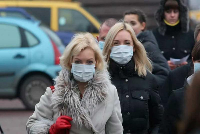 Закарпатців штрафують за неносіння масок у громадських місцях