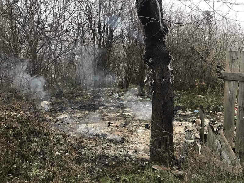 На Закарпатті, у місті Виноградів, перехожі виявили обгоріле тіло людини