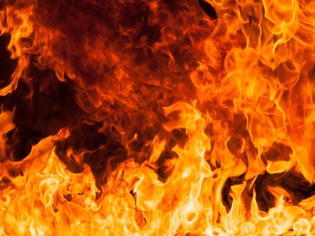 В Ужгороді серед ночі спалахнула пожежа