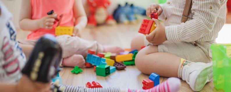 Часткова ампутація нігтьової фаланги пальця: в Ужгороді у дитсадку стався шокуючий випадок