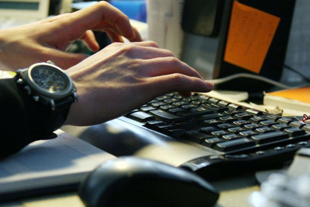 Українці отримують підозрілі листи від імені оператора поштового зв'язку