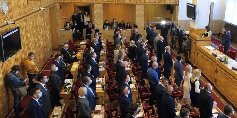 Депутати Закарпатської обласної ради склали присягу