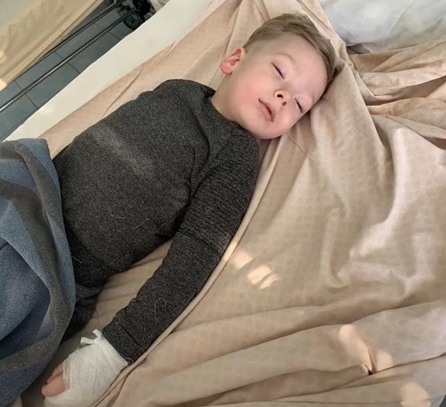 Мама хлопчика, якому покалічили руку у дитсадку в Ужгороді, розповіла про пережите жахіття