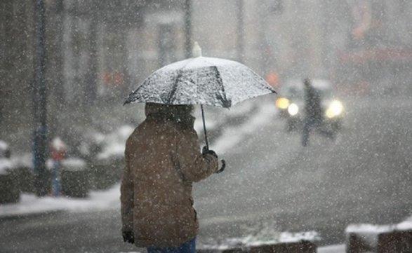 Дощ, сніг та мокрий сніг: синоптики розповіли, якою буде погода на 10 грудня