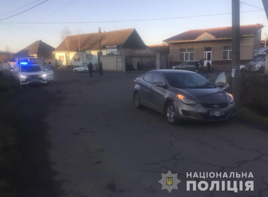 Жахлива ДТП у селі біля Мукачева: жінка-водій на смерть збила пенсіонера