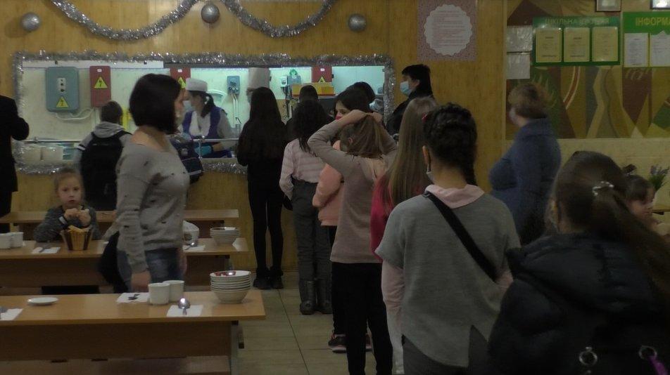 У шкільних їдальнях заборонять продавати газовані напої та каву