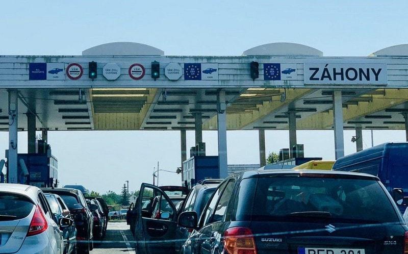 Роботу пунктів пропуску на території Угорщини відновили