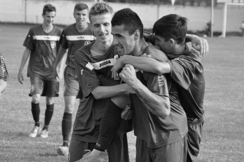 Загинув чемпіон: футболіст ФК Бужора Мирослав Мудра, який вчора трагічно загинув, був одним із найяскравіших нападників Закарпаття