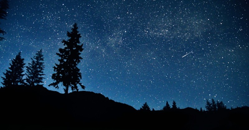 Сьогодні вночі українці зможуть побачити неймовірне природне явище – метеорний потік Урсиди