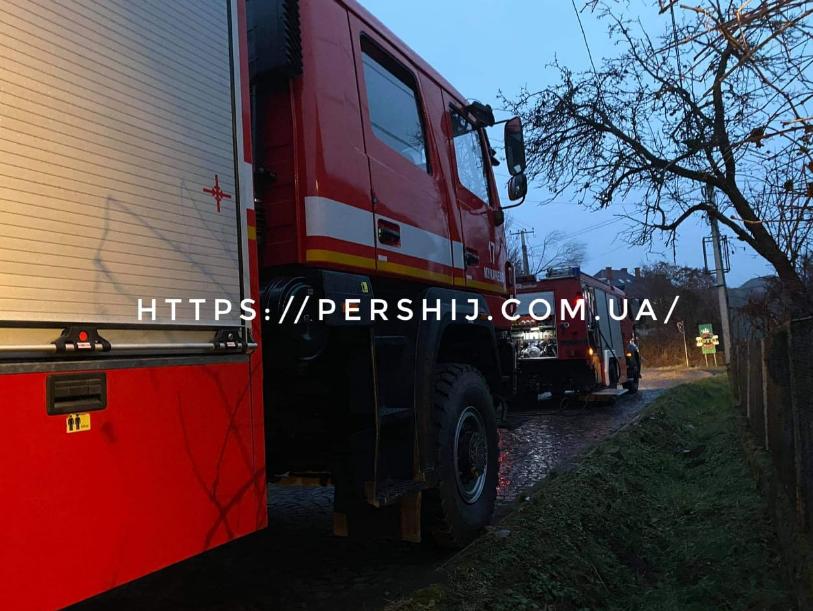 В одному з мікрорайонів Мукачева ввечері спалахнула пожежа