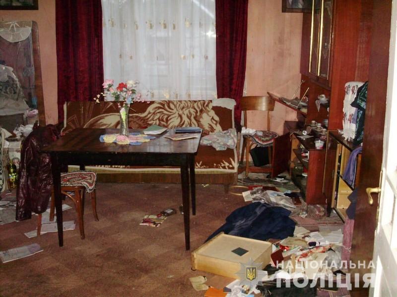 У селі Кузьмино, що на Мукачівщині, вбили жінку. Підозрювану взяли під варту