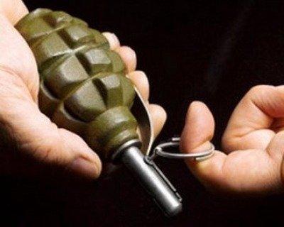 Вночі у двір закарпатського підприємця у місті Виноградів кинули дві гранати. Одна з них вибухнула