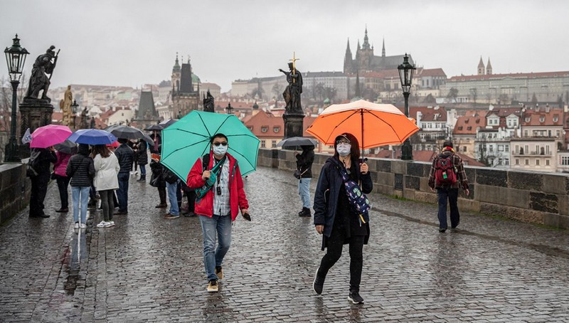 У Чехії вперше з початку листопада зафіксували рекордну кількість хворих