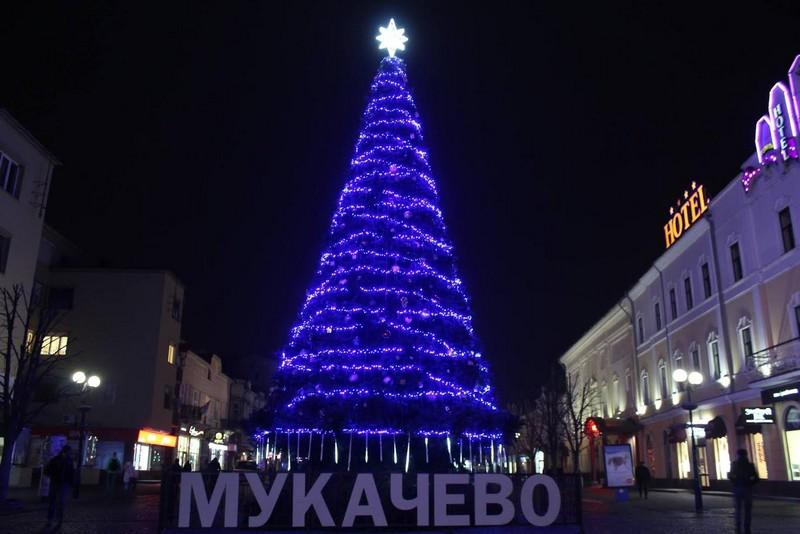 Сьогодні, 25 грудня, у центрі Мукачева відбудеться концерт