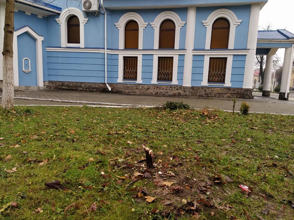 У Мукачеві на території храму невідомі скоїли крадіжку