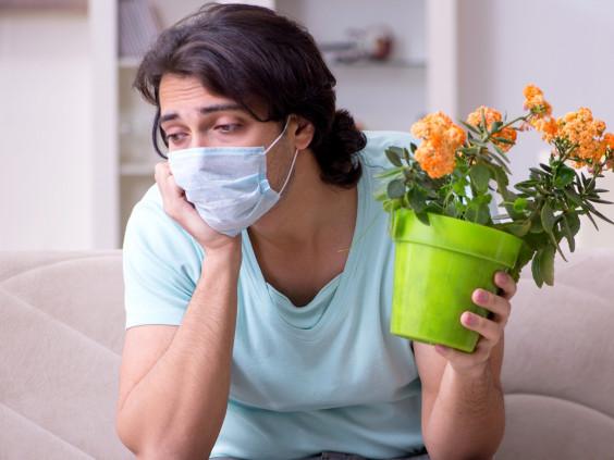 Лікарі розказали про незвичайний побічний ефект тривалого коронавірусу