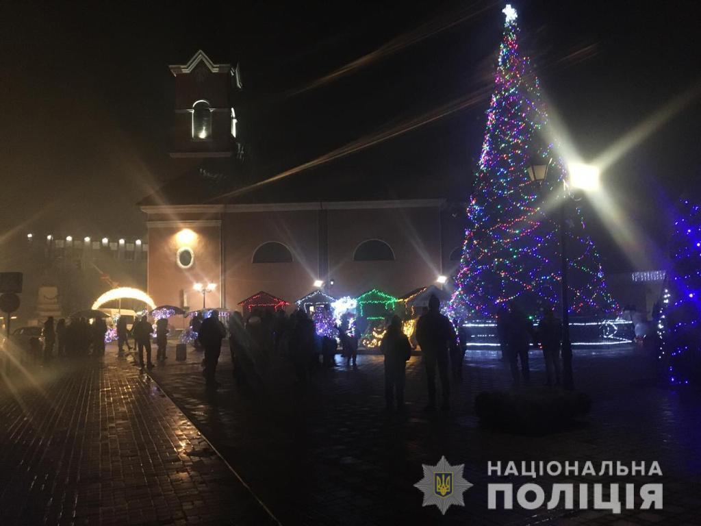 Поліція розповіла, чи були грубі порушення під час святкування Нового року на Закарпатті