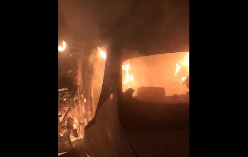Закарпатському активісту Михайлу Чокнадію вночі підпалили авто: опубліковано відео
