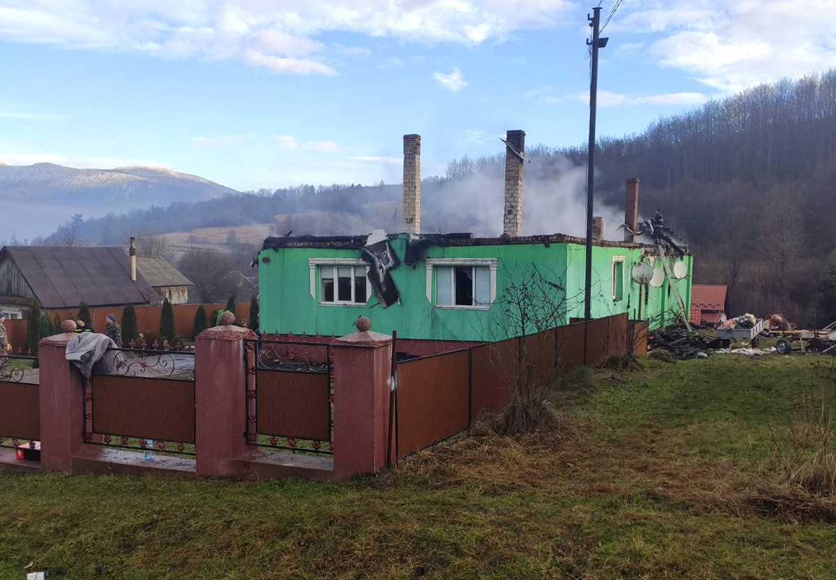 На Закарпатті трапились дві великі пожежі: фото наслідків