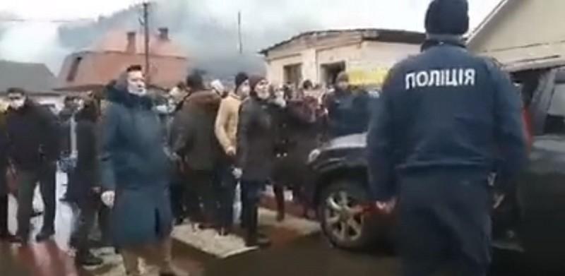 Що сьогодні коїться у закарпатському селі Ділове: опубліковано відео