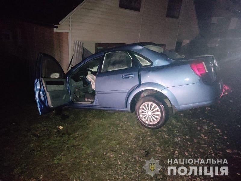У машині було багато дітей: на Закарпатті на Святий вечір сталась смертельна аварія