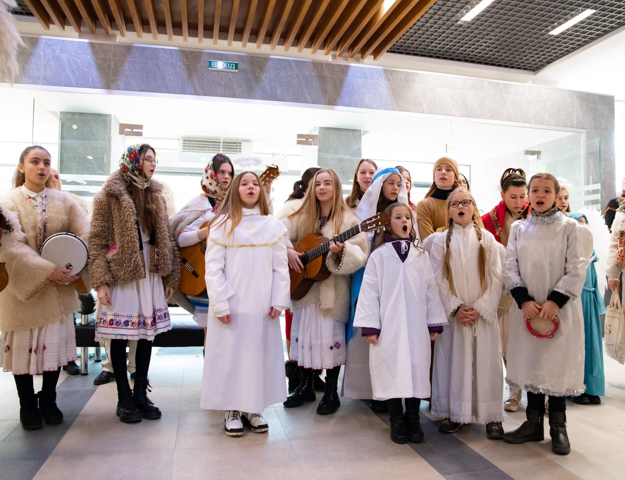 В Ужгородську міську раду навідались колядники
